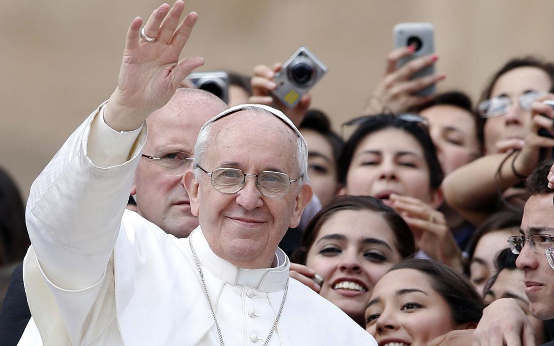 """Preparar la Navidad con el Papa: Jóvenes """"¡Arriésguense! ¡Salgan!"""""""