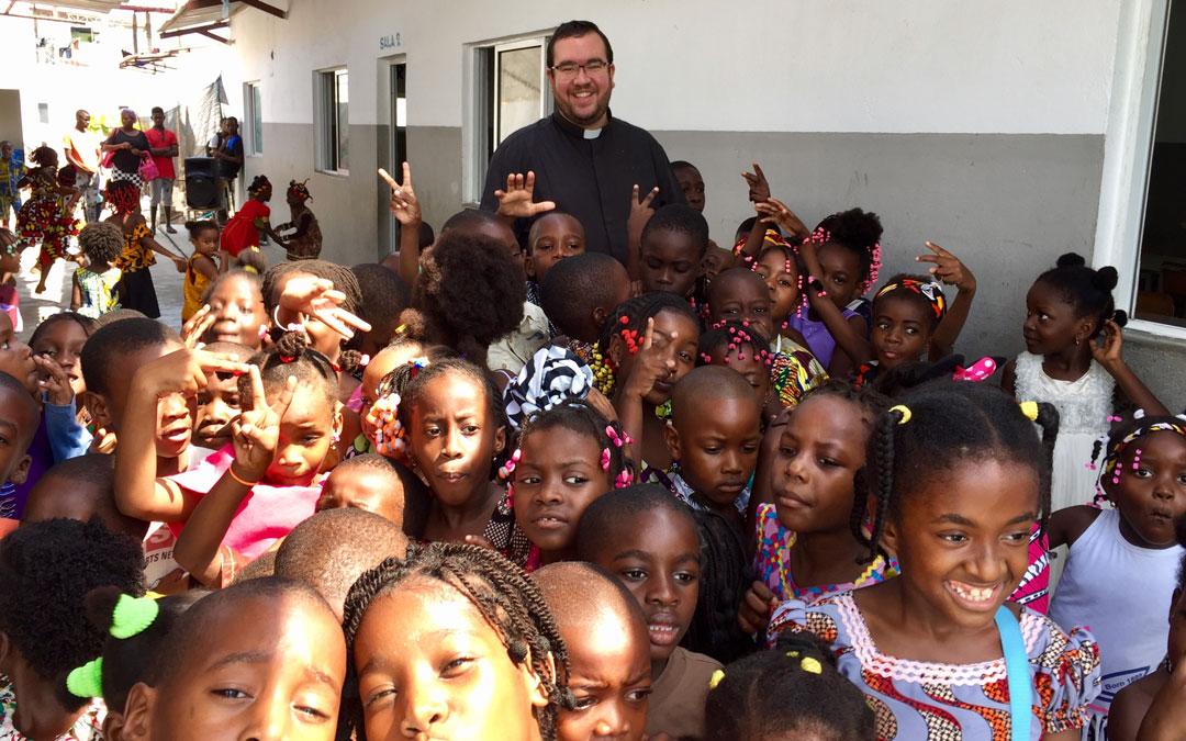 Misioneros por el Mundo en Luanda