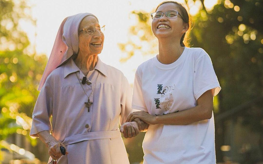 """""""En Vietnam e Indonesia hay muchas vocaciones, porque la familia cuida su vida cristiana"""""""
