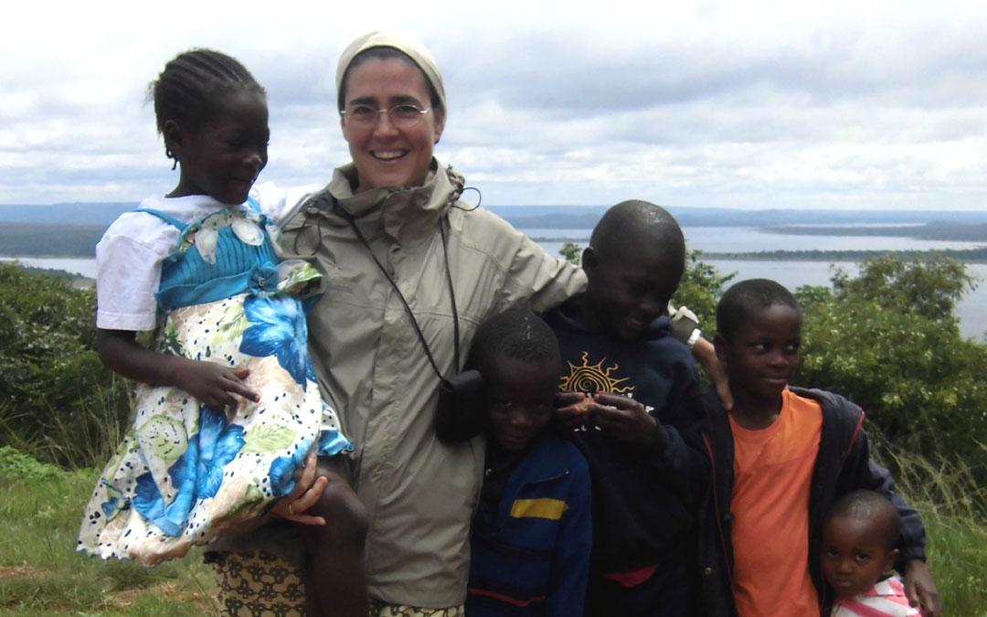 Misioneros por el Mundo: República Democrática del Congo, el país de los chimpancés