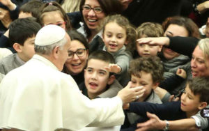 El Papa Francisco recuerda Infancia Misionera