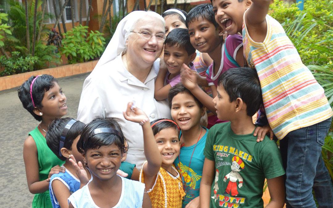 """""""Las misioneras damos esperanza a muchas niñas en India"""""""